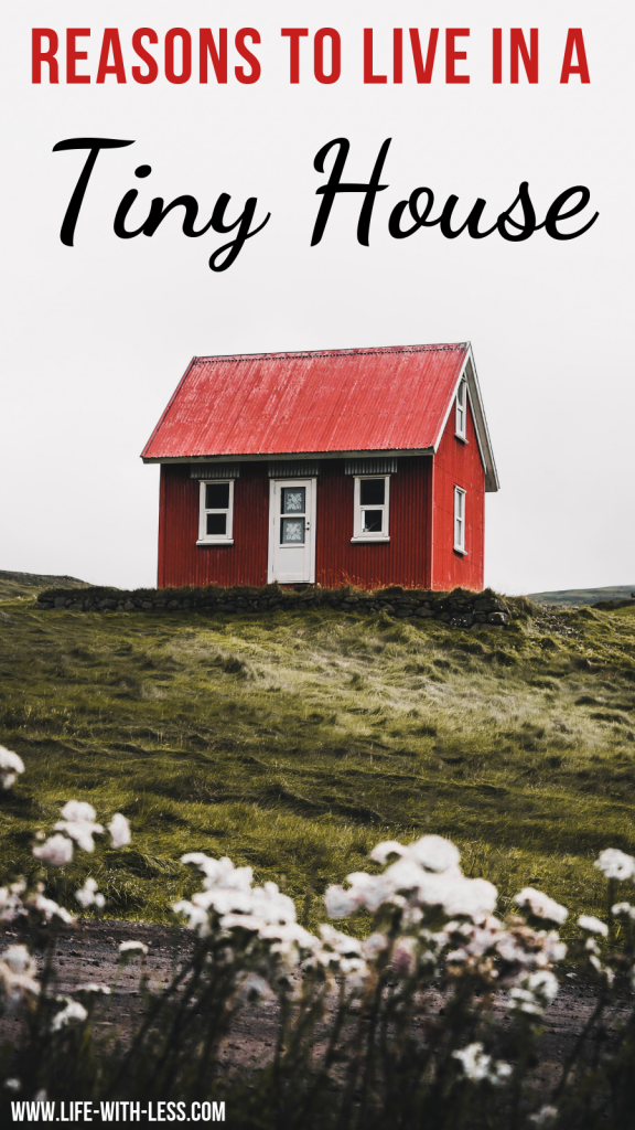Tiny House inspiration! A run through the idea behind a tiny house and why I think it is a good solution! #downsizing #tiny #tinyhome #smallspaces  #smallspaceliving #minimalismlifestyle #minimalistic   #minimalist #minimalisthome   #minimalism #minimal #tinyhousemovement  #tinyhouseonwheels #homedecor #homedecorideas  #lifewithless